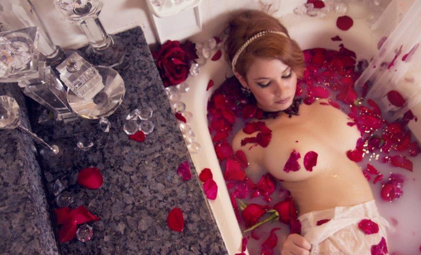 проститутка в ванне